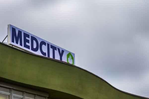 MedCity Egészségközpont tető